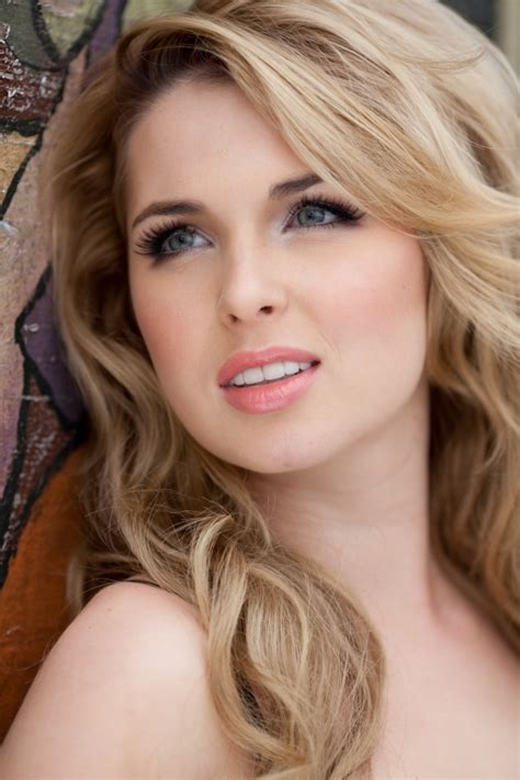 Poze Kirsten Prout - Actor - Poza 21 din 35 - CineMagia