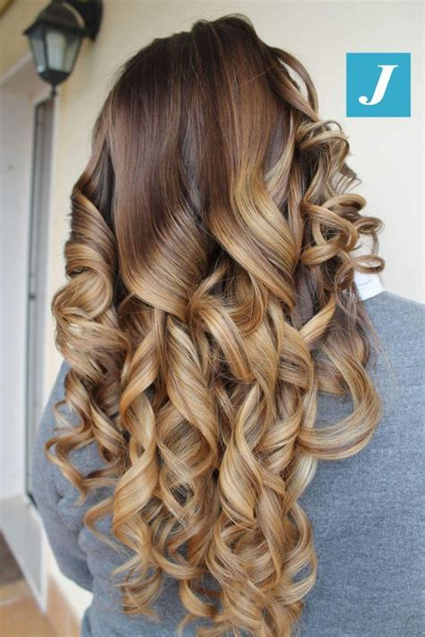 Pin by Hairstyles and Nails 2020 on Top idei de coafuri